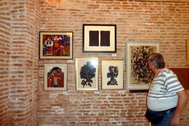 Tablouri de Rodica Anca Marinescu, Ion Alin Gheorghiu, Roman Cotosman, Magdalena Radulescu si pictorul Dan Constantinescu