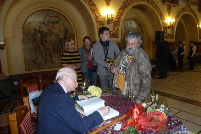 121129 Lansare vol III Pictorul Vasile Parizescu - -64