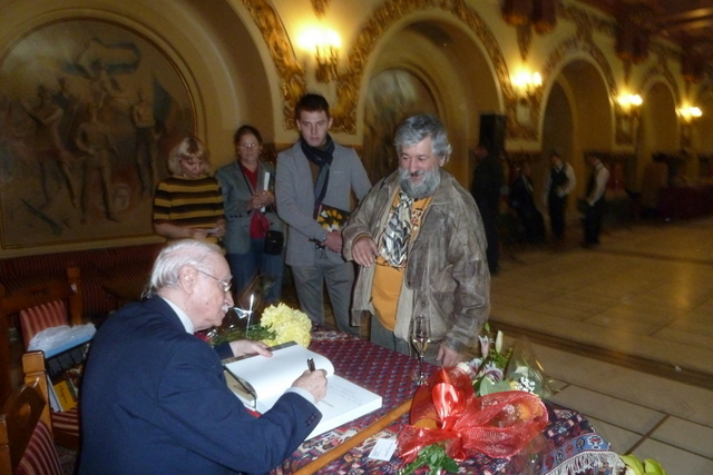 121129 Lansare vol III Pictorul Vasile Parizescu - -65